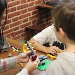 construyendo robots con lego