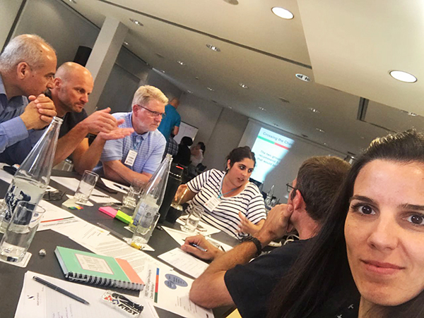 //www.robotica.com.py/wp-content/uploads/2017/07/Partners-FIRST-LEGO-Leage-Barcelona-Conference-4.jpg