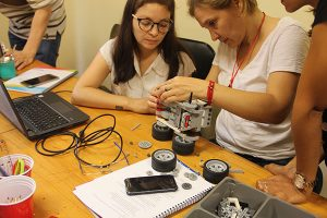 https://www.robotica.com.py/wp-content/uploads/2018/02/Programa-Meraki-de-Espacios-de-Ser-docentes-robotica-educativa-5-300x200.jpg