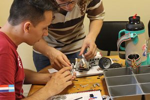http://www.robotica.com.py/wp-content/uploads/2018/02/Programa-Meraki-de-Espacios-de-Ser-docentes-robotica-educativa-6-300x200.jpg